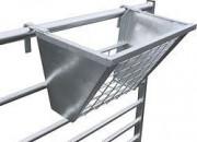 Hook-over-hay-rack-1830-3